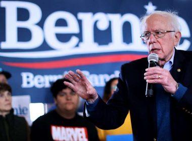 Les groupes progressistes s'unissent pour stimuler Sanders alors que les attaques démocratiques contre lui montent