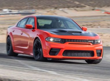 Le Dodge Charger Hellcat Widebody n'a aucune sympathie pour ses pneus
