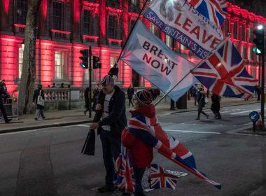 Au coup du Brexit, la Grande-Bretagne fait un pas prudent vers une nouvelle aube